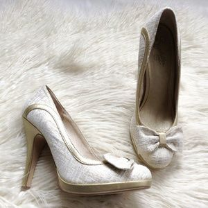 Seychelles Gold and White Heels